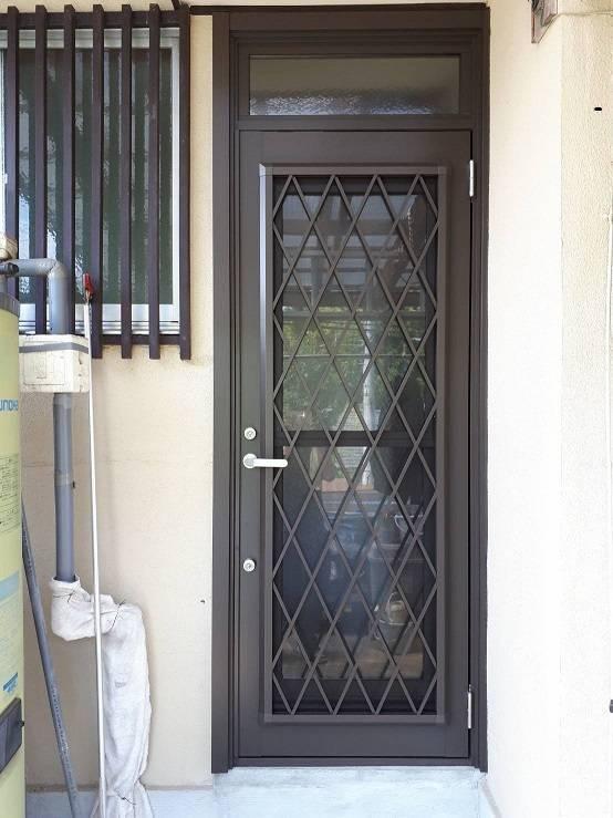 有明トーヨーのお正月まえに玄関と勝手口きれいにした~いの施工後の写真2