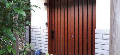 施工事例:お正月まえに玄関と勝手口きれいにした~い