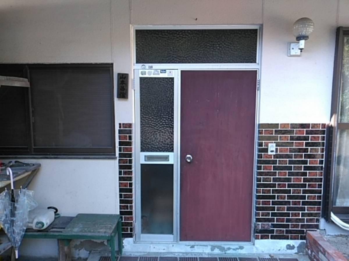 有明トーヨーの玄関新しくしたよ~の施工前の写真1