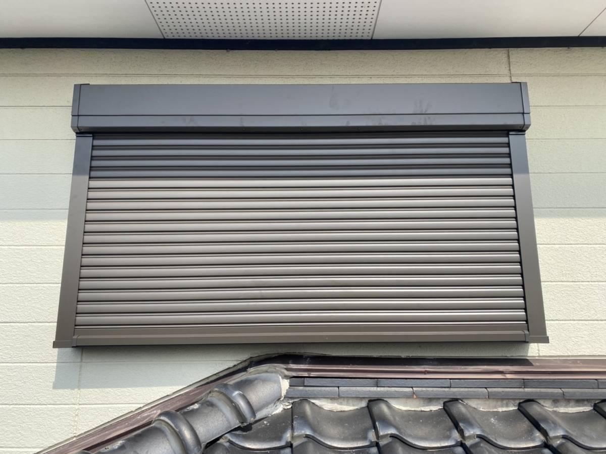 有明トーヨーの二階の窓も台風対策しようかしら・・・の施工後の写真1
