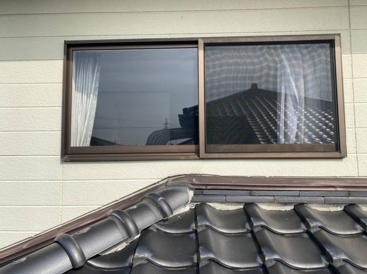 有明トーヨーの二階の窓も台風対策しようかしら・・・の施工前の写真1