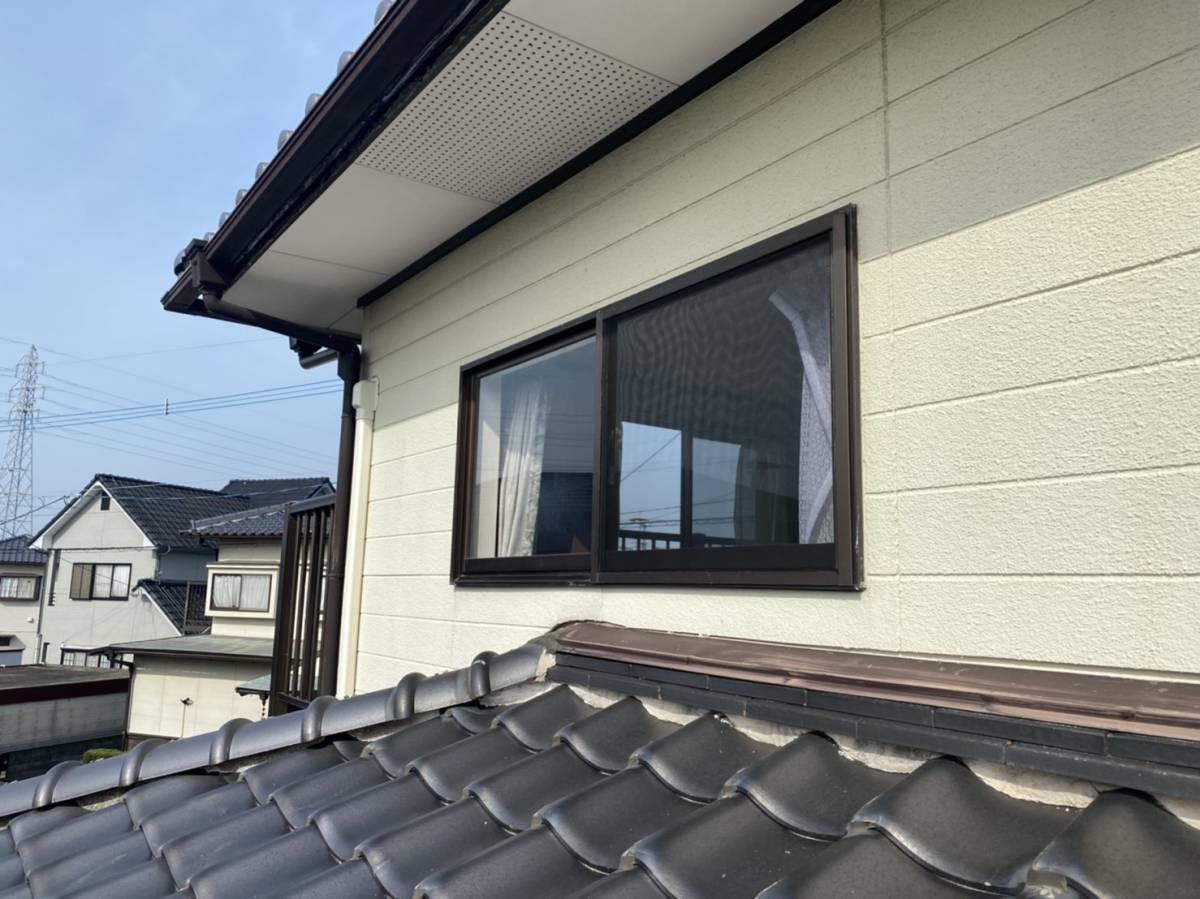 有明トーヨーの二階の窓も台風対策しようかしら・・・の施工前の写真2