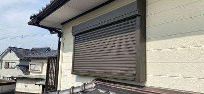 施工事例:二階の窓も台風対策しようかしら・・・